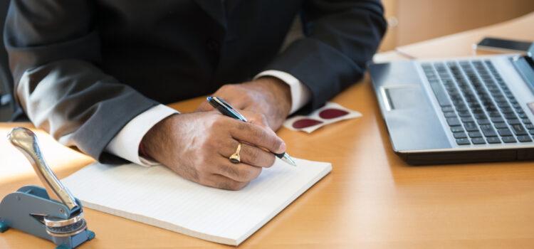 Jakie opłaty pobiera notariusz?